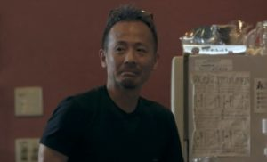 又来綾の父の画像